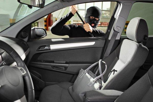 Угон автомобиля – как владелец может помочь ворам?